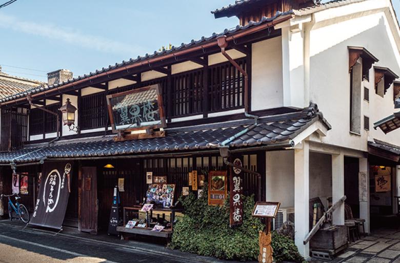 翼果楼(よかろう) 長浜の郷土料理「焼鯖そうめん」の専門店。甘辛く煮込んだ焼鯖とそうめんの相性は抜群