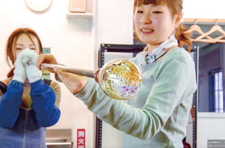 黒壁体験教室|吹きガラスやステンドグラス、バーナーワークやとんぼ玉など作り応えのある体験教室