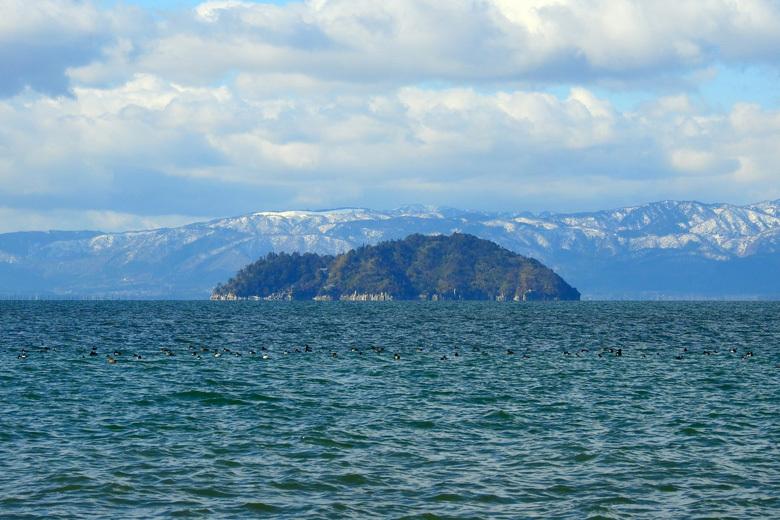 竹生島|琵琶湖に浮かぶ神聖な島をめぐるモデルコース